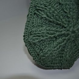 Round knitted bag 1